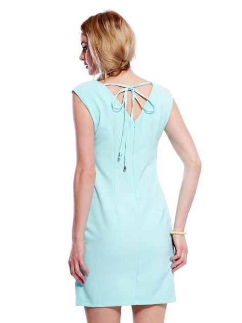 Sukienka miętowa z wiązaniem z tyłu                                  zdj.                                  2