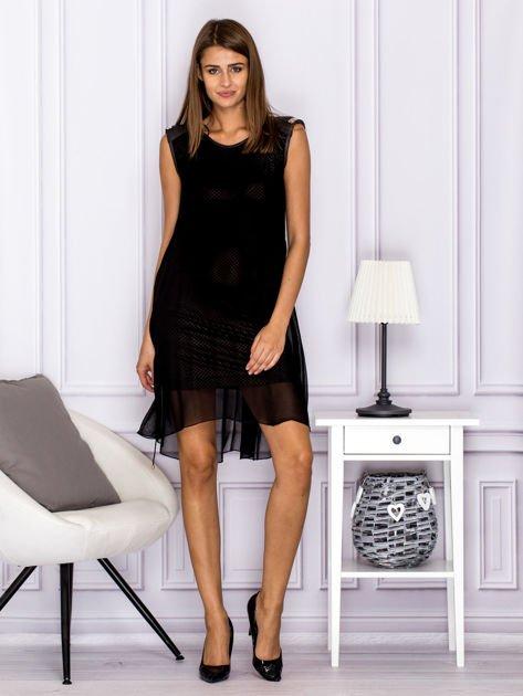 Sukienka w kratkę ze skórzanymi wstawkami czarna                              zdj.                              4