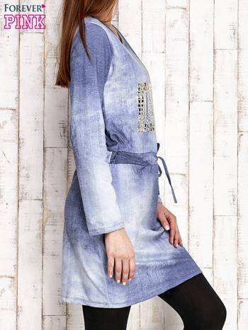 Sukienka z aplikacją i troczkami jasnoniebieska                                  zdj.                                  3