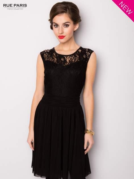 Sukienka z aplikacją z czarnej koronki i rozkloszowanym dołem                                  zdj.                                  3