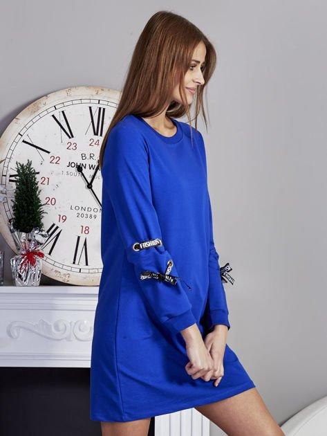 Sukienka z tasiemkami przy mankietach kobaltowa                              zdj.                              5