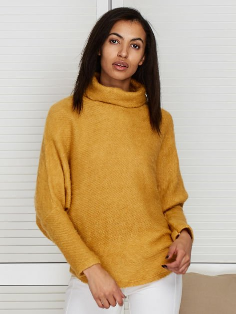 Sweter beżowy z dłuższym włosem                                  zdj.                                  1