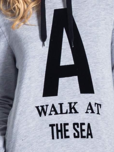 Szara bluza z kapturem i napisem A WALK AT THE SEA                                  zdj.                                  6