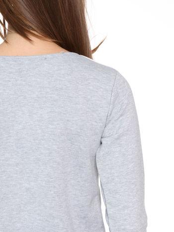 Szara bluza z nadrukiem NAJPIĘKNIEJSZA                                  zdj.                                  8