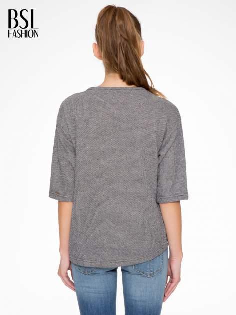 Szara bluza z nadrukiem TO BE OR NOT TO BE                                  zdj.                                  4