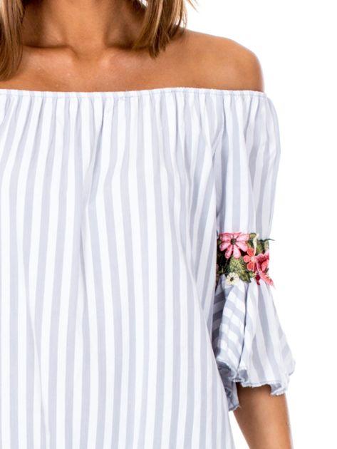 Szara bluzka hiszpanka w paski z kwiatowymi wstawkami                              zdj.                              6