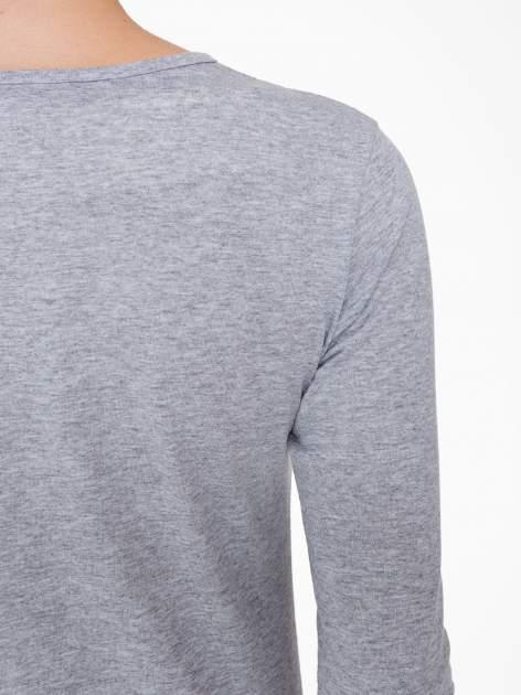 Szara bluzka z nadrukiem loga Instagrama                                  zdj.                                  8