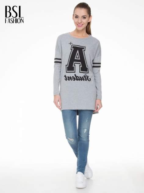 Szara dresowa bluza z literą A w stylu baseballowym