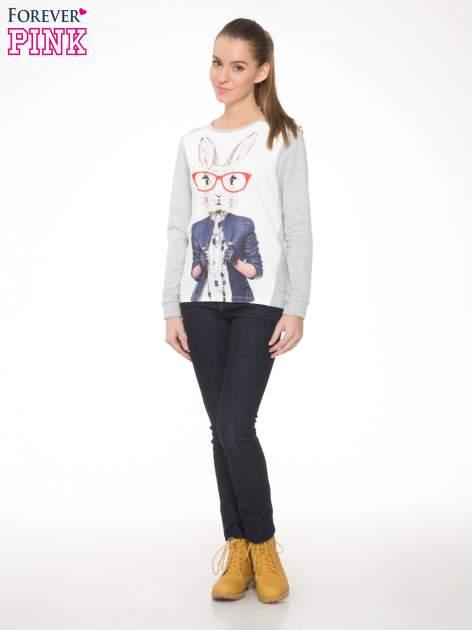 Szara dresowa bluza z nadrukiem królika                                  zdj.                                  2