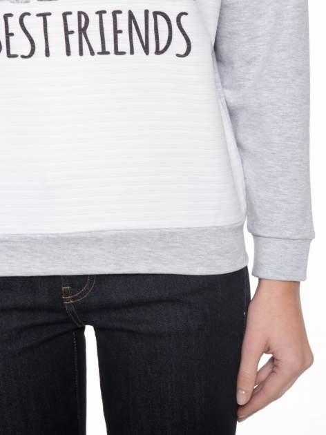 Szara dresowa bluza z nadrukiem zwierzaków                                  zdj.                                  5