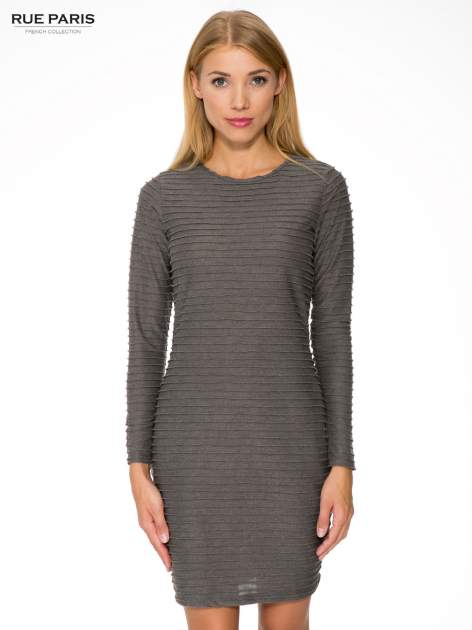 Szara dresowa sukienka w prążkowany wzór
