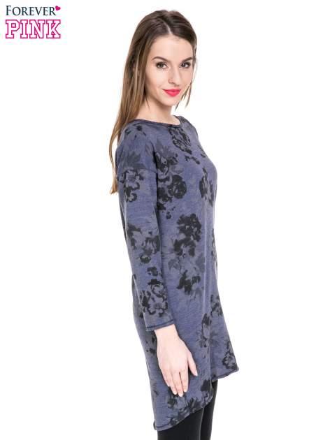 Szara dresowa sukienka z nadrukiem kwiatowym w kolorze czarnym                                  zdj.                                  3
