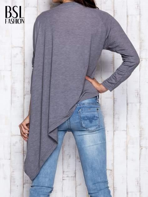 Szara melanżowa bluzka oversize                                  zdj.                                  5