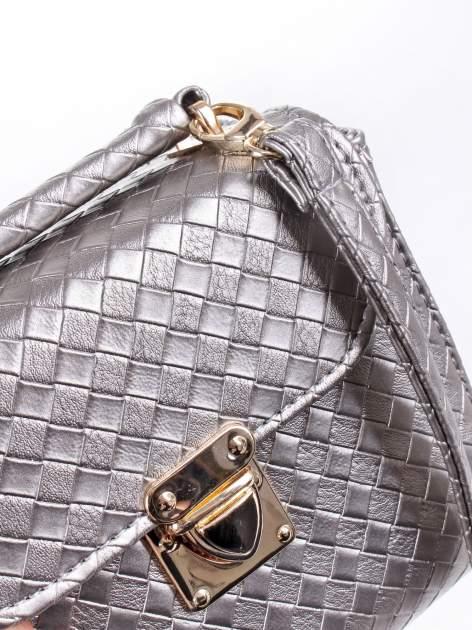 Szara pikowana mini torebka kuferek w stylu retro                                  zdj.                                  6