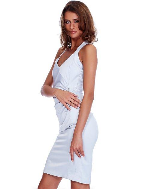 Szara satynowa sukienka z koronkową wstawką z tyłu                              zdj.                              5