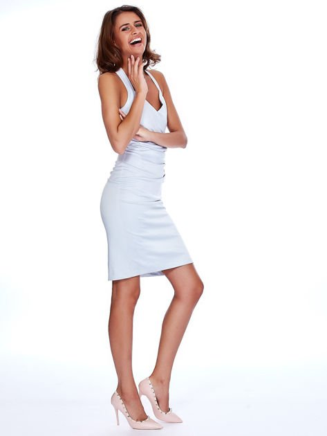 Szara satynowa sukienka z koronkową wstawką z tyłu                              zdj.                              4