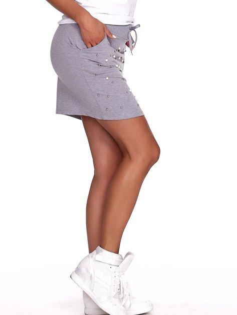 Szara spódnica dresowa z perełkami i kieszeniami                              zdj.                              6