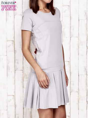 Szara sukienka dresowa z kokardami z tyłu                                  zdj.                                  3