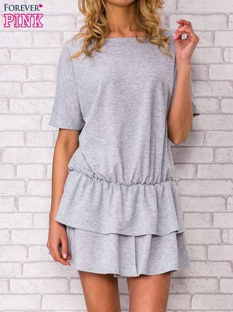 Szara sukienka dresowa z podwójną falbaną                                  zdj.                                  1