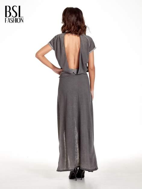 Szara sukienka maxi z dekoltem na plecach                                  zdj.                                  2