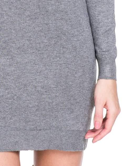 Szara swetrowa sukienka z golfem                                  zdj.                                  4