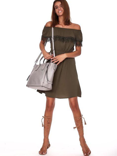 Szara torba shopper z ażurowaniem i odpinanym paskiem                              zdj.                              8