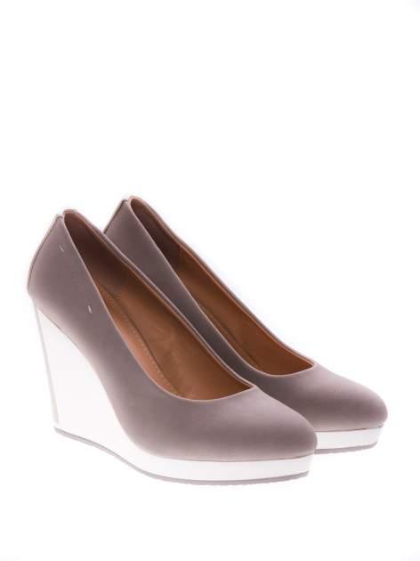 Szare buty na koturnie w sportowym stylu                                  zdj.                                  2