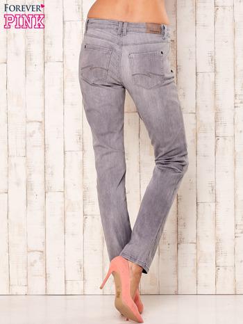 Szare dopasowane spodnie ze stretchem                                  zdj.                                  2