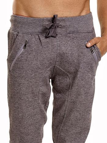 Szare melanżowe spodnie męskie z zasuwanymi kieszeniami                                  zdj.                                  6