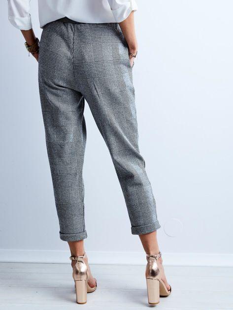 Szare spodnie 7/8 w kratę                              zdj.                              3