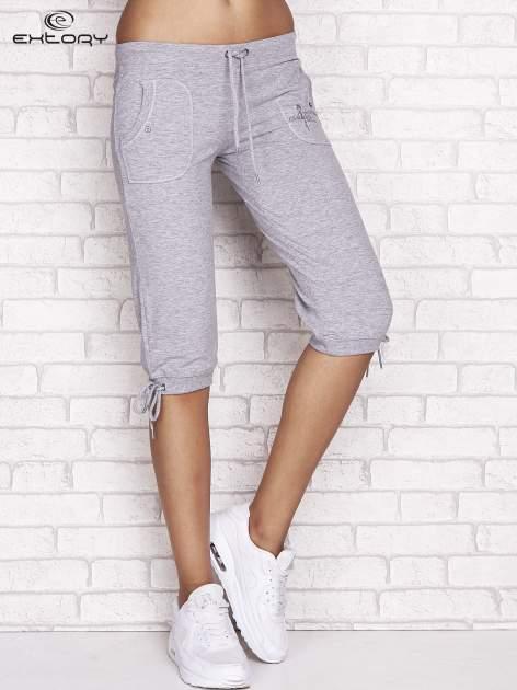 Szare spodnie dresowe capri z napami