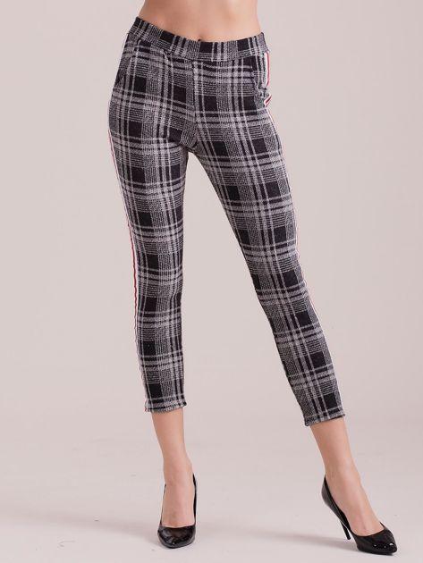 Szare spodnie w kratkę z lampasem                              zdj.                              3