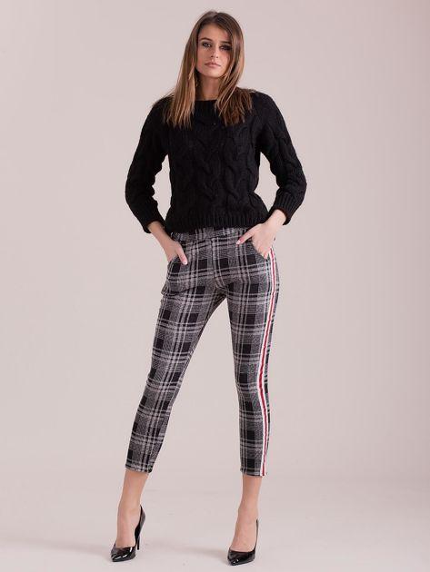 Szare spodnie w kratkę z lampasem                              zdj.                              4