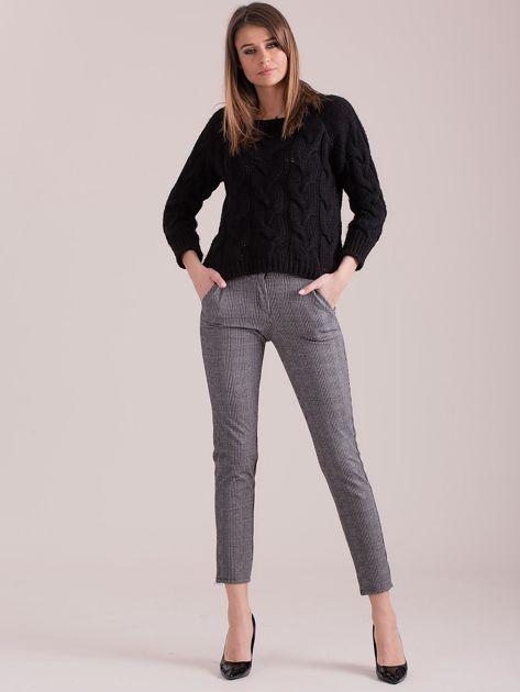 Szare spodnie w kratkę z paskiem                              zdj.                              4