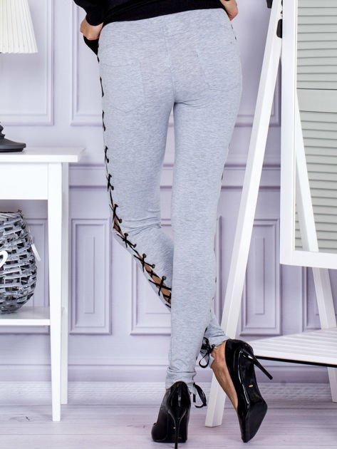 Szare sznurowane legginsy                               zdj.                              2