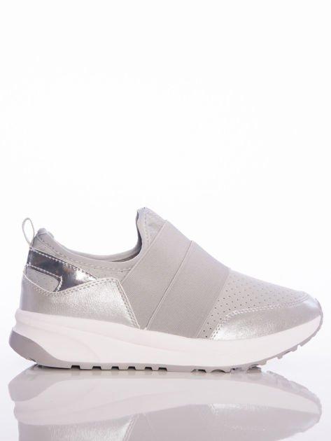 Szare wsuwane buty sportowe Rue Paris z ażurową cholewką i opalizującymi wstawkami                              zdj.                              1