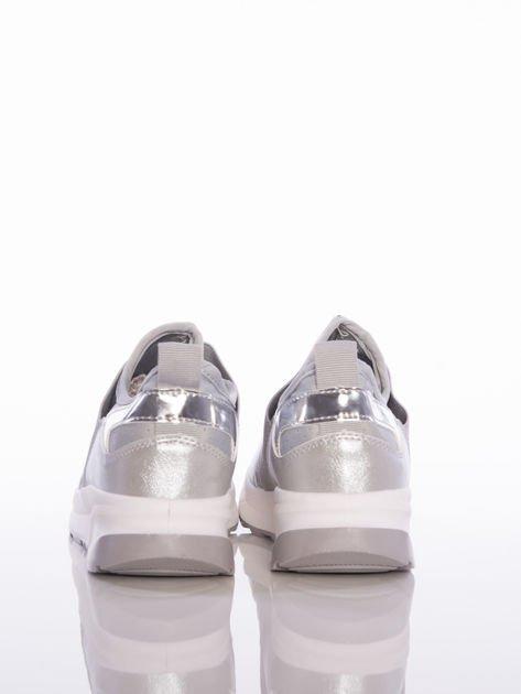 Szare wsuwane buty sportowe Rue Paris z ażurową cholewką i opalizującymi wstawkami                              zdj.                              3