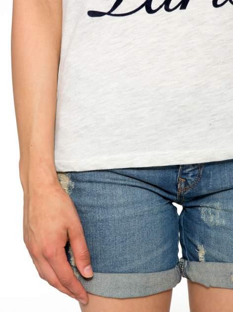 Szaro-granatowy t-shirt z napisem DREAMY VIBES 86 PARIS                                  zdj.                                  6