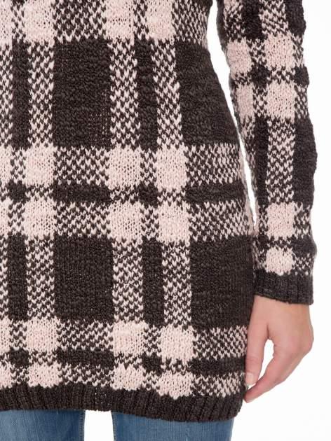 Szaro-różowy długi sweter w kratę                                  zdj.                                  6