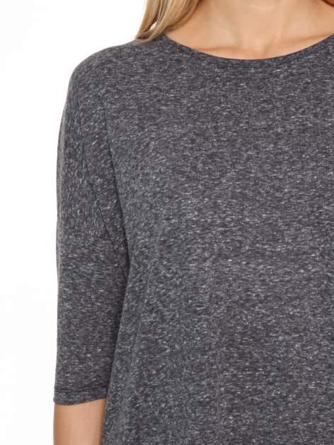Szarogranatowa bluzka oversize o obniżonej linii ramion                                  zdj.                                  6