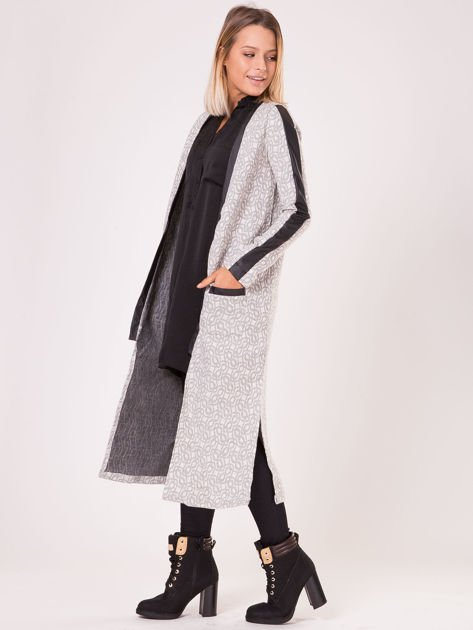 Szary długi płaszcz ze skórzanymi wstawkami                               zdj.                              3