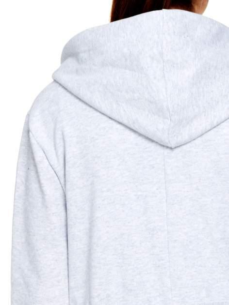 Szary dresowy bluzopłaszcz ściągany w pasie                                  zdj.                                  6