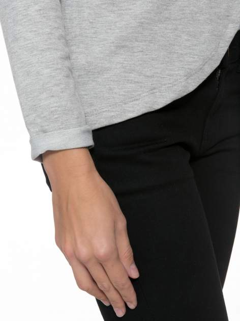 Szary dresowy żakiet z zaokrąglonymi bokami                                  zdj.                                  5