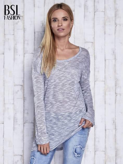 Szary melanżowy sweter z łezką na plecach                                  zdj.                                  3