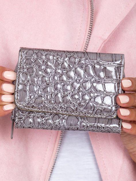 Szary portfel damski z motywem zwierzęcej skóry