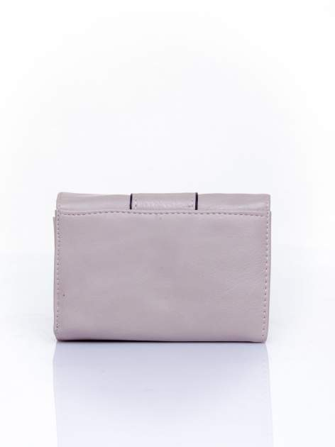 Szary portfel z ozdobnym zapięciem                                  zdj.                                  2