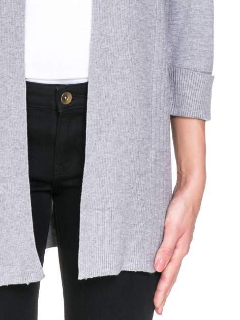 Szary sweter kardigan z podwijanym rękawami z guziczkami                                  zdj.                                  6