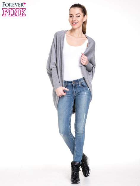 Szary sweter narzutka z nietoperzowymi rękawami                                  zdj.                                  2