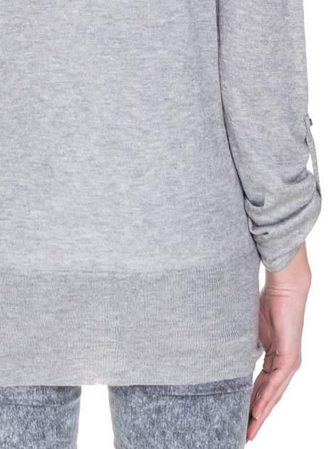 Szary sweter narzutka z wywijanymi rękawami                                  zdj.                                  8