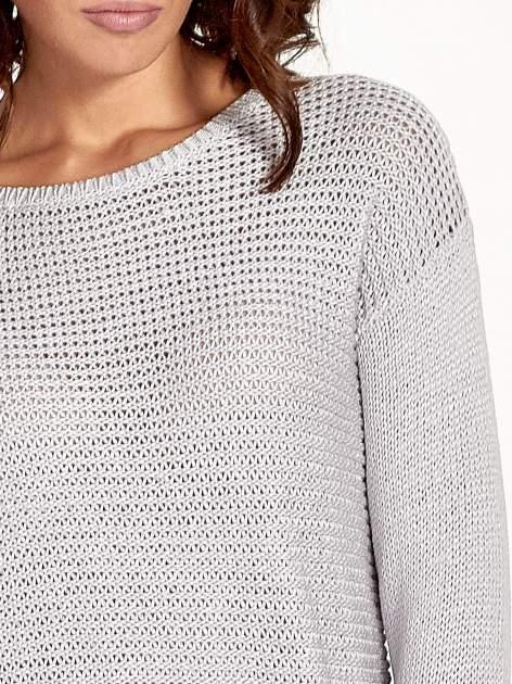 Szary sweter o większych oczkach                                  zdj.                                  5